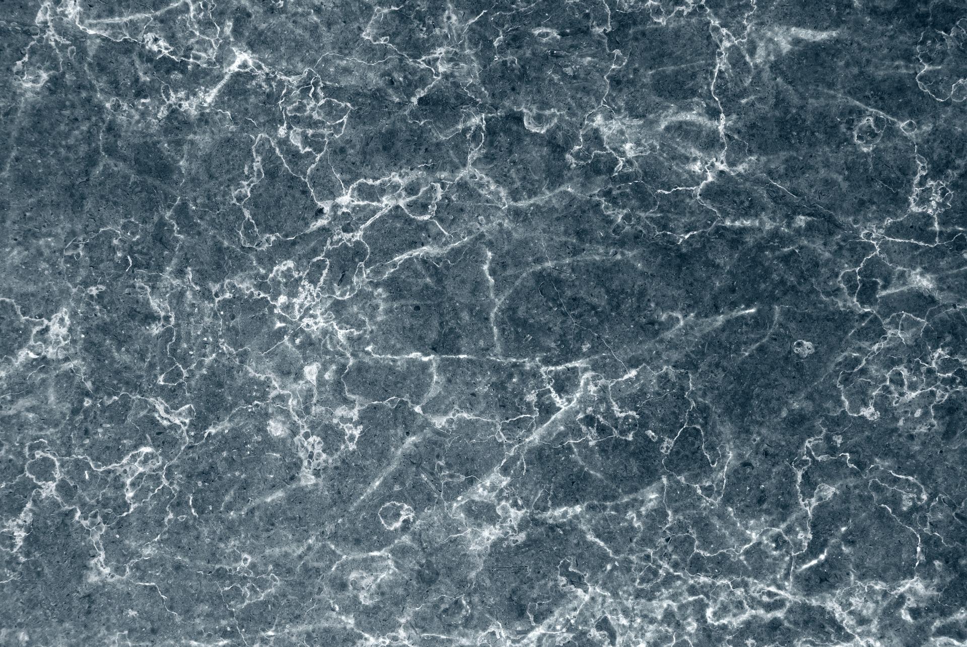 Kamień w przestrzeni łazienkowej